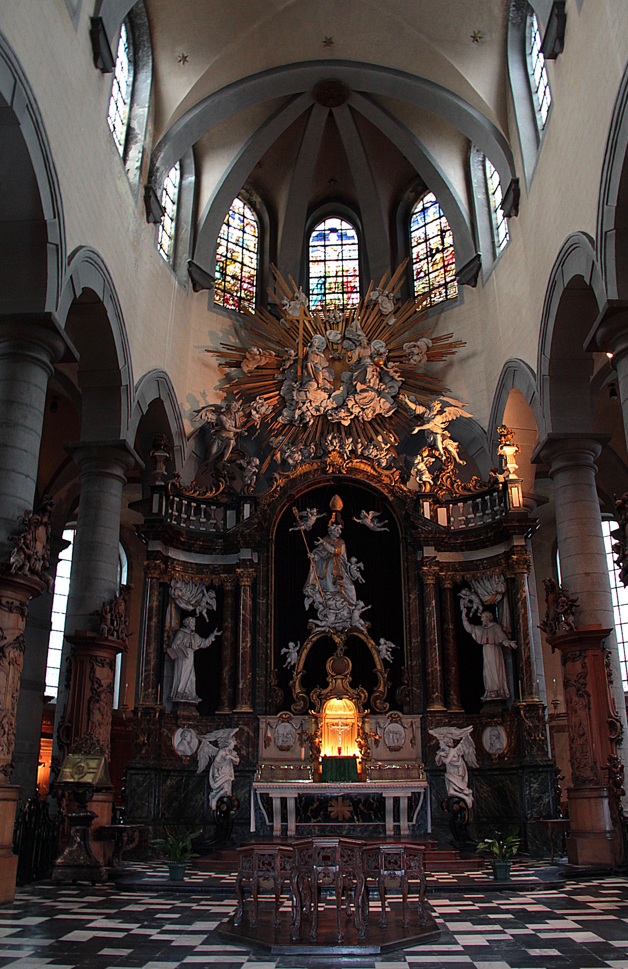 0_Mons_-_Église_Saint-Nicolas-en-Havré_(chœur)